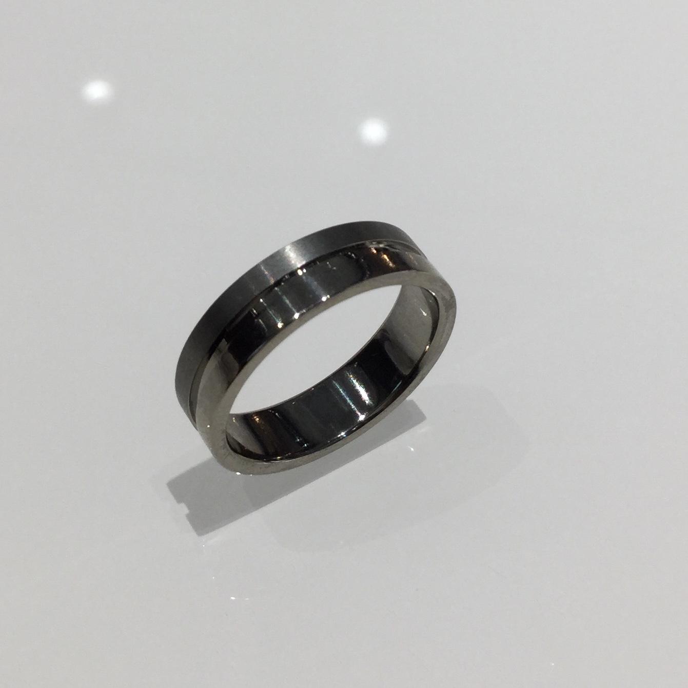 ジルコニウム 結婚指輪 ソラ