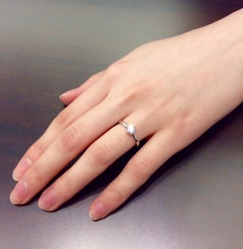 """絆を表す """"結び"""" のリング"""