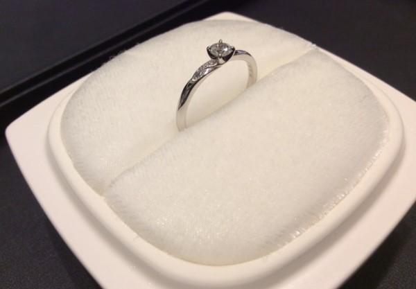 俄の婚約指輪『木洩日』💍✨