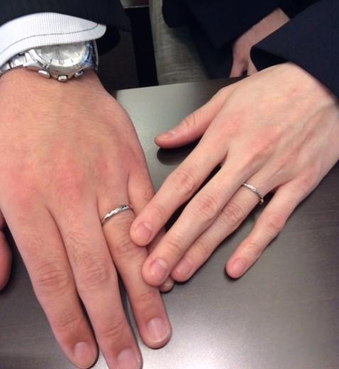 – 極上のオートクチュールブランド – ルシエの結婚指輪『リップル』(O様ご夫妻様)