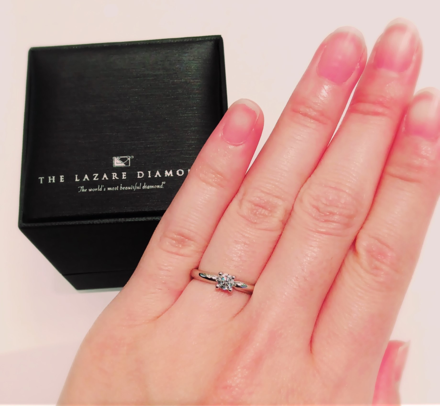 ラザールダイヤモンドの婚約指輪『シャーロット』