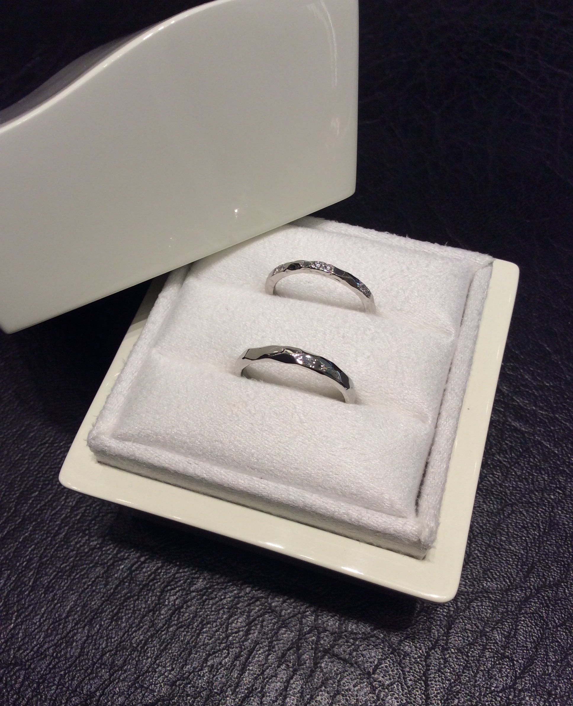 仕上がりの可愛さに思わずニッコリ♡LUCIE(ルシエ)の結婚指輪ブランシュ