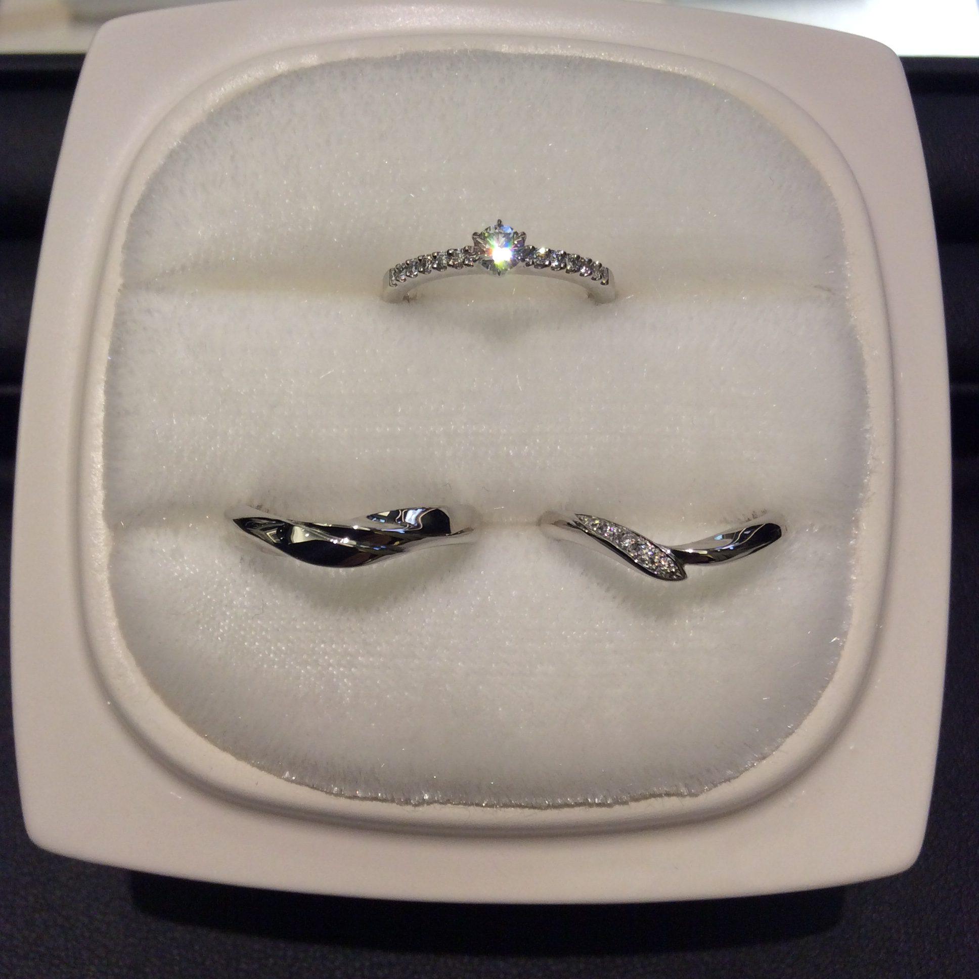 ゴージャスで上品なロイヤルアッシャーの婚約指輪💍✨(新潟市/T様ご夫婦様)