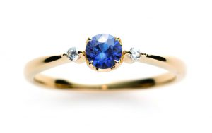 ブルーとピンクが綺麗なサファイアの婚約指輪💍9月の誕生石💎