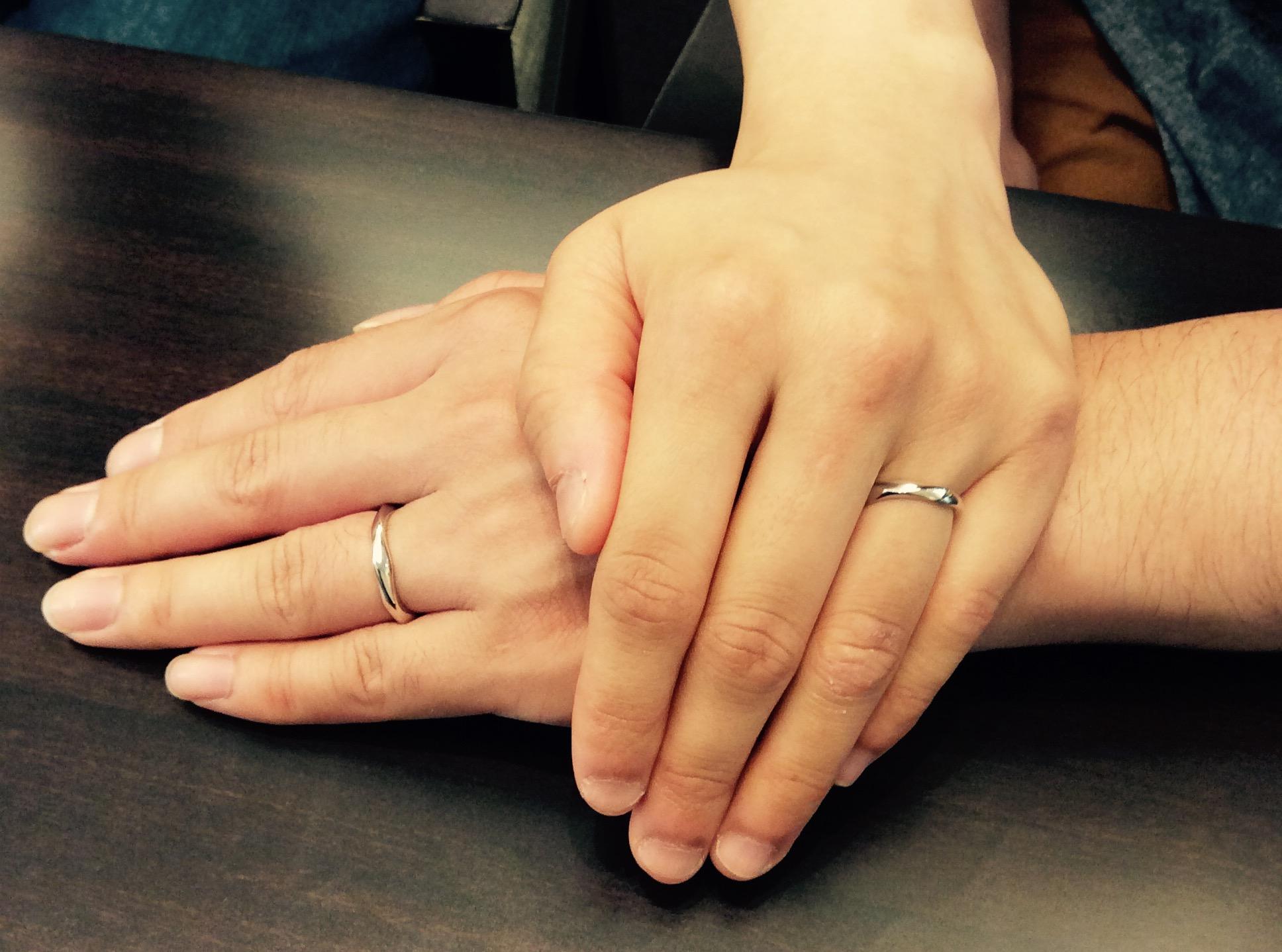 曲線が美しい俄(ニワカ)の結婚指輪『由良』(新潟市東区/I様ご夫婦)