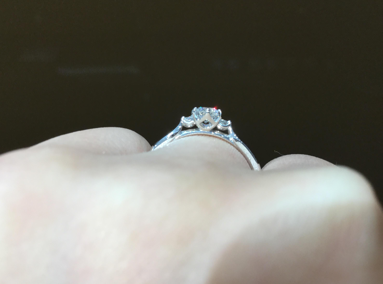 婚約指輪 俄 白鈴をご紹介