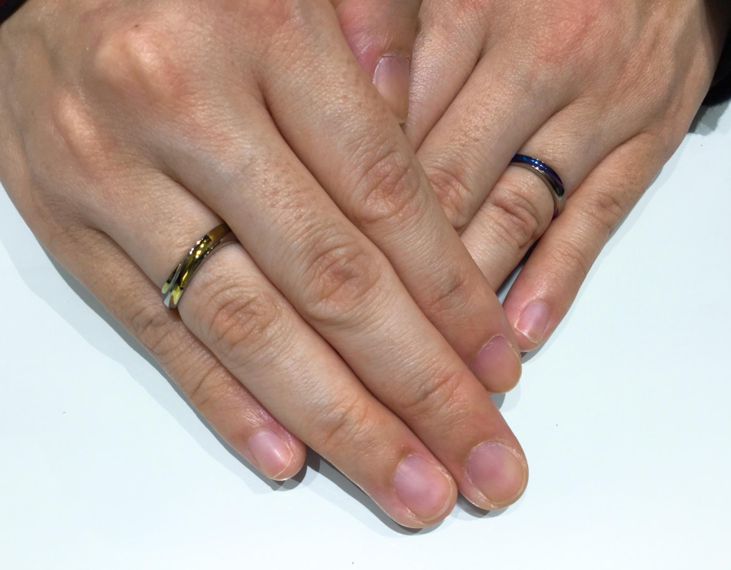 色選びも大切な思い出に💗SORA(ソラ)のカラフルな結婚指輪(新潟市/A様ご夫婦)