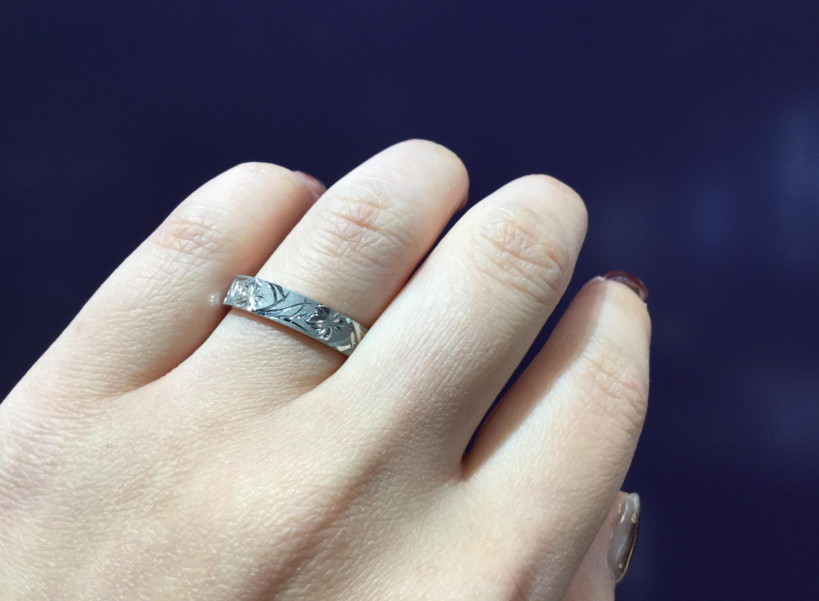 花匠の彫 まさに匠の技!/にわかの結婚指輪