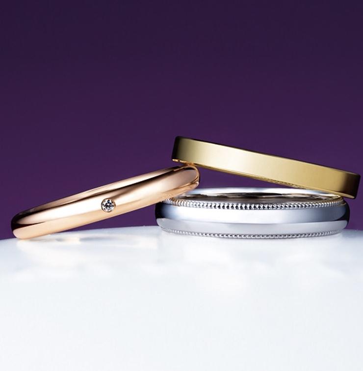 俄(にわか)NIWAKAことほぎの結婚指輪(マリッジリング)上からイエローゴールドフラットタイプ・ピンクゴールドプレインタイプ・プラチナミルグレインタイプの画像