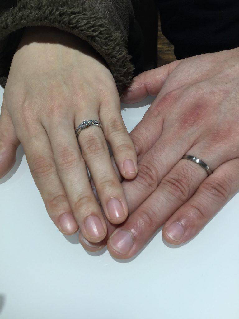 俄 にわか 婚約指輪 白鈴