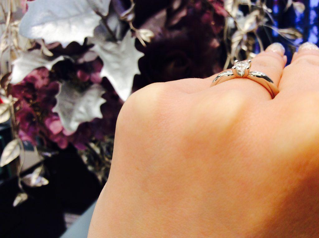 シンプル一石💍ラザールダイヤモンドの婚約指輪💓