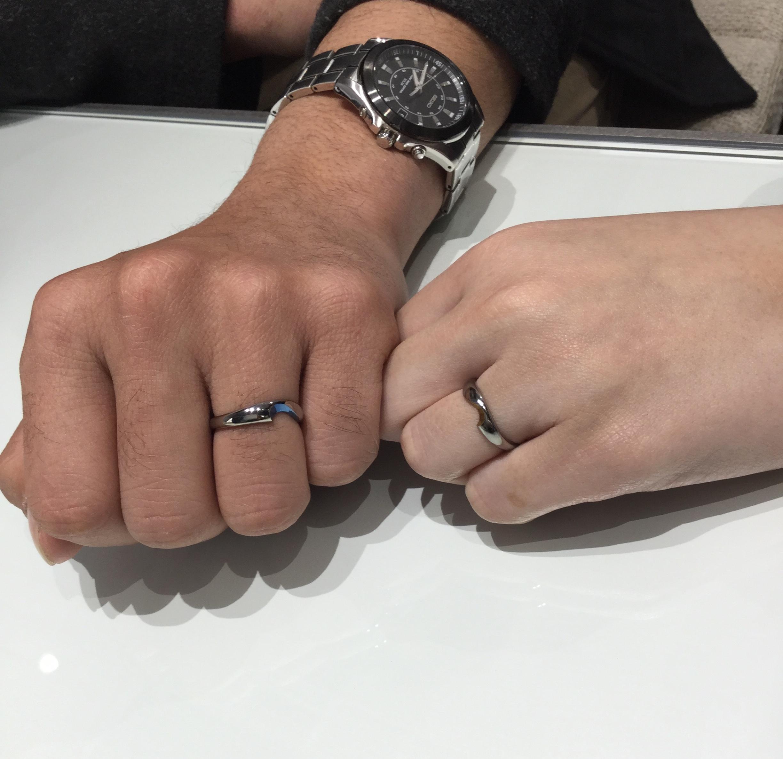 個性的なSORA(ソラ)の結婚指輪をオリジナルカラーで🌈(長岡市/M様ご夫婦)