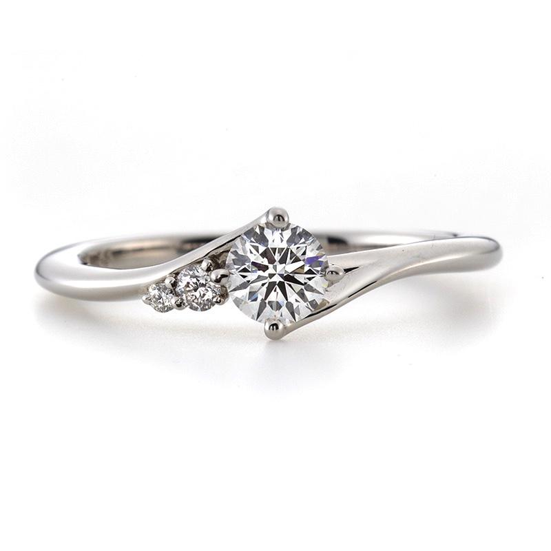 婚約指輪(エンゲージリング)、ダイヤモンド、プラチナリング