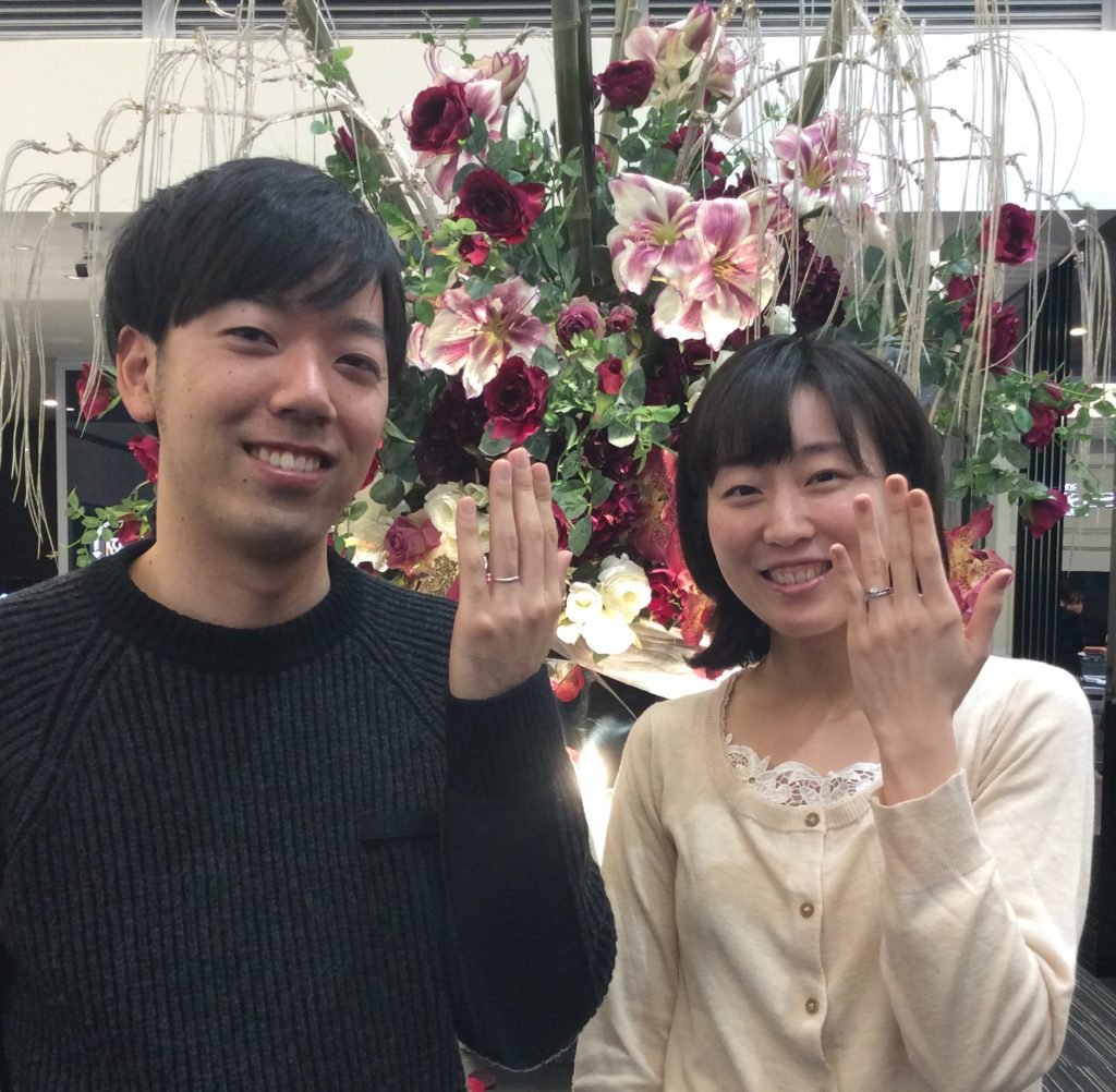 着け心地抜群!ご結婚指輪と受け継がれたダイヤモンドのご婚約指輪(新潟市/T様K様)