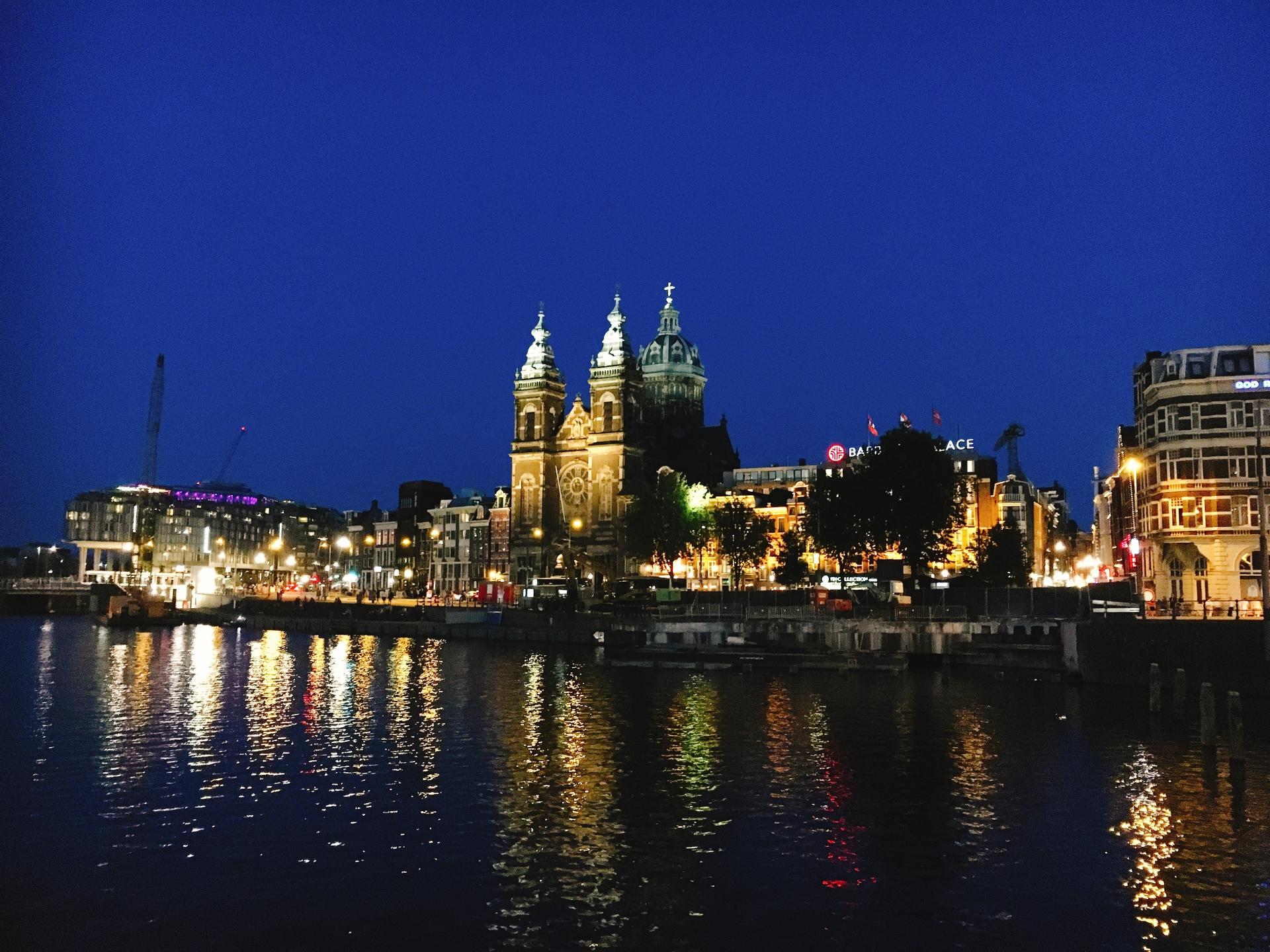 オランダ アムステルダムの夜景