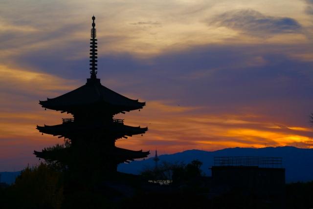京都夕暮れの画像