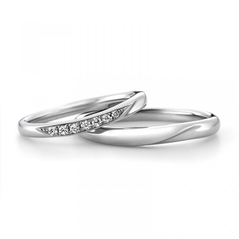人目を惹く輝き「ラザールダイヤモンド・カシオペア」の結婚指輪をご成約。新潟市優様・美鈴様