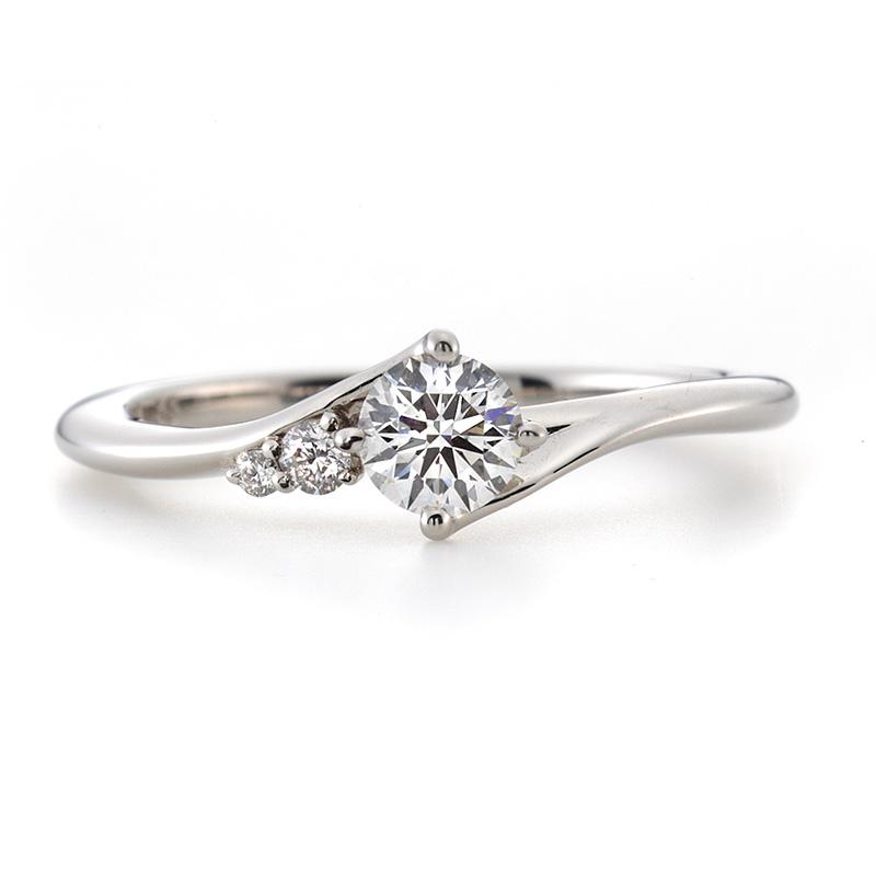 ラザールダイヤモンド婚約指輪(エンゲージリング) カシオペア画像