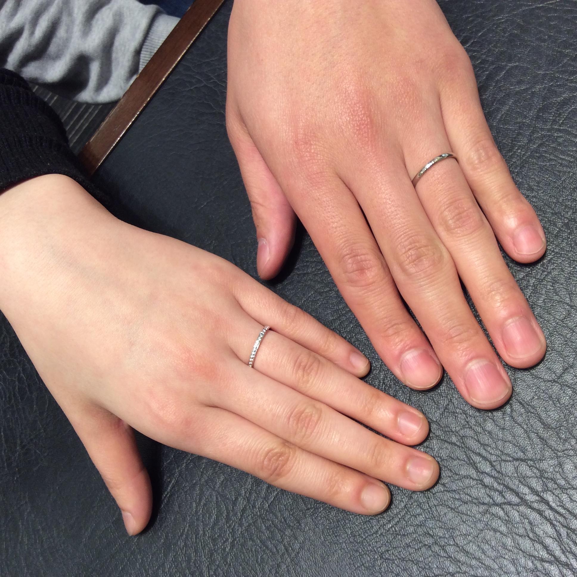 お客様フォト 女性:かれん 男性:ことほぎ シンプルな結婚指輪