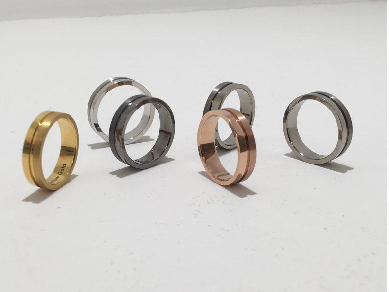 【結婚指輪の素材選び】5種類の素材を徹底比較|人気・個性的な金属・ブランドをご紹介