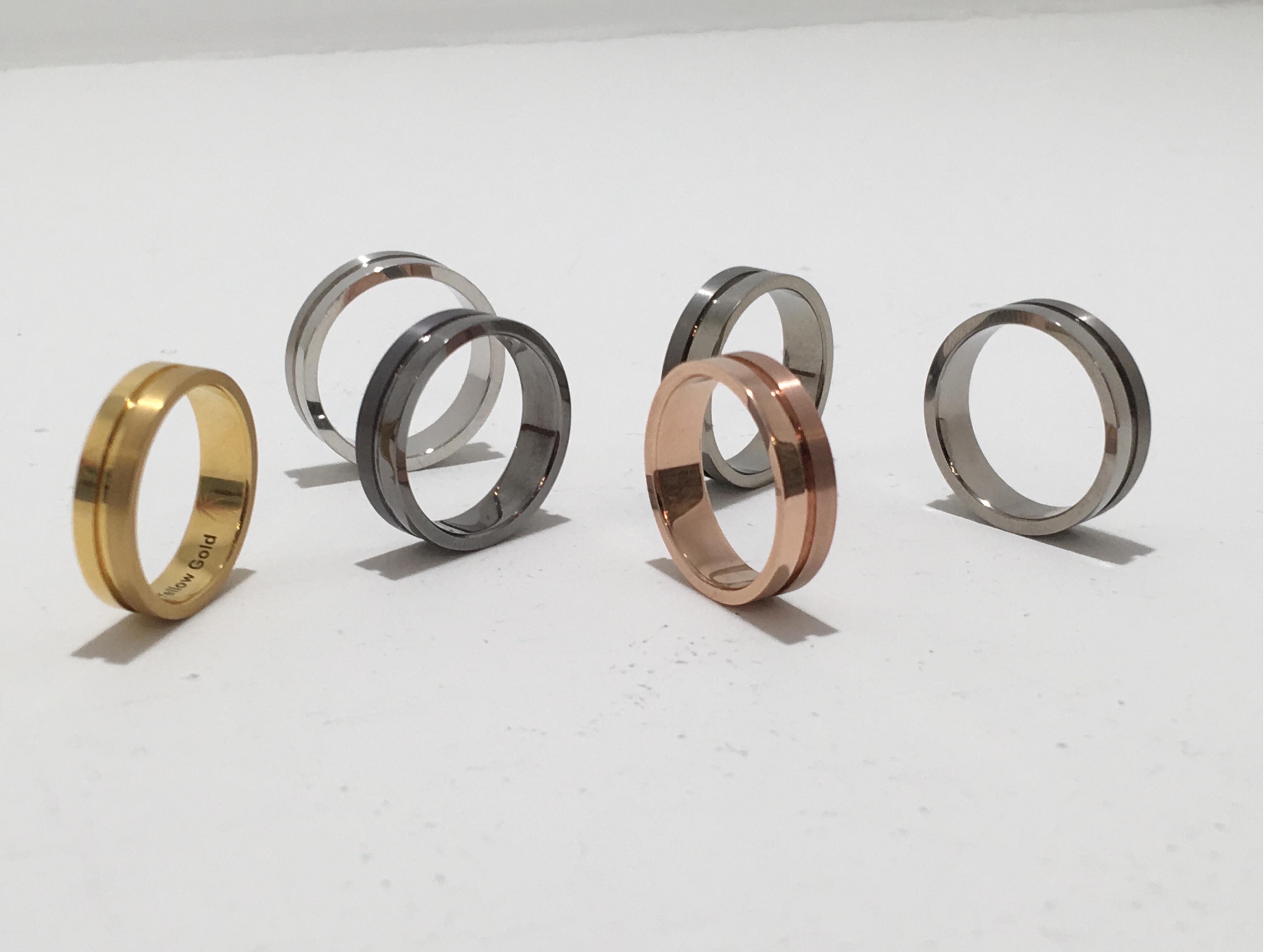 【結婚指輪】素材選びからはじめる二人らしさ。5種類を徹底比較