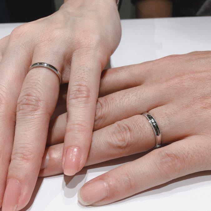 クラシカルなミル打ちの結婚指輪「ことほぎ」