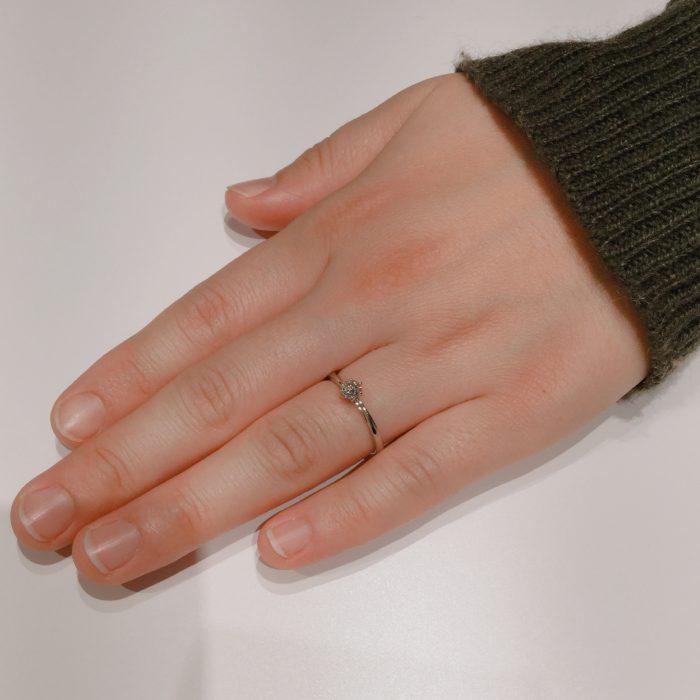 俄の婚約指輪「花雪」