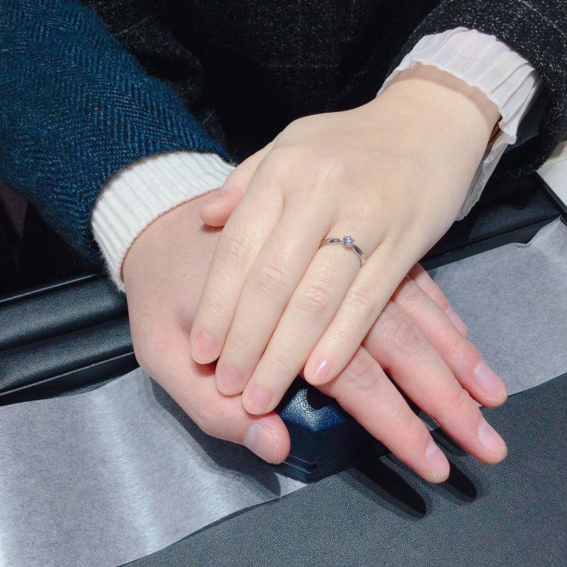 上品な輝きのダイヤモンド|ロイヤル・アッシャーの婚約指輪をご成約(新潟市/S様・S様)
