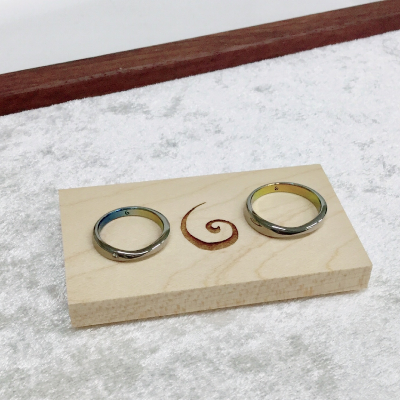 デザインに一目惚れ!SORA(ソラ)の形が綺麗な結婚指輪「コトー」をご成約(魚沼市/H様・A様)