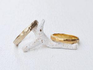 【新潟】結婚指輪は手作り感のある槌目(つちめ)に!職人技が光る槌目の結婚指輪