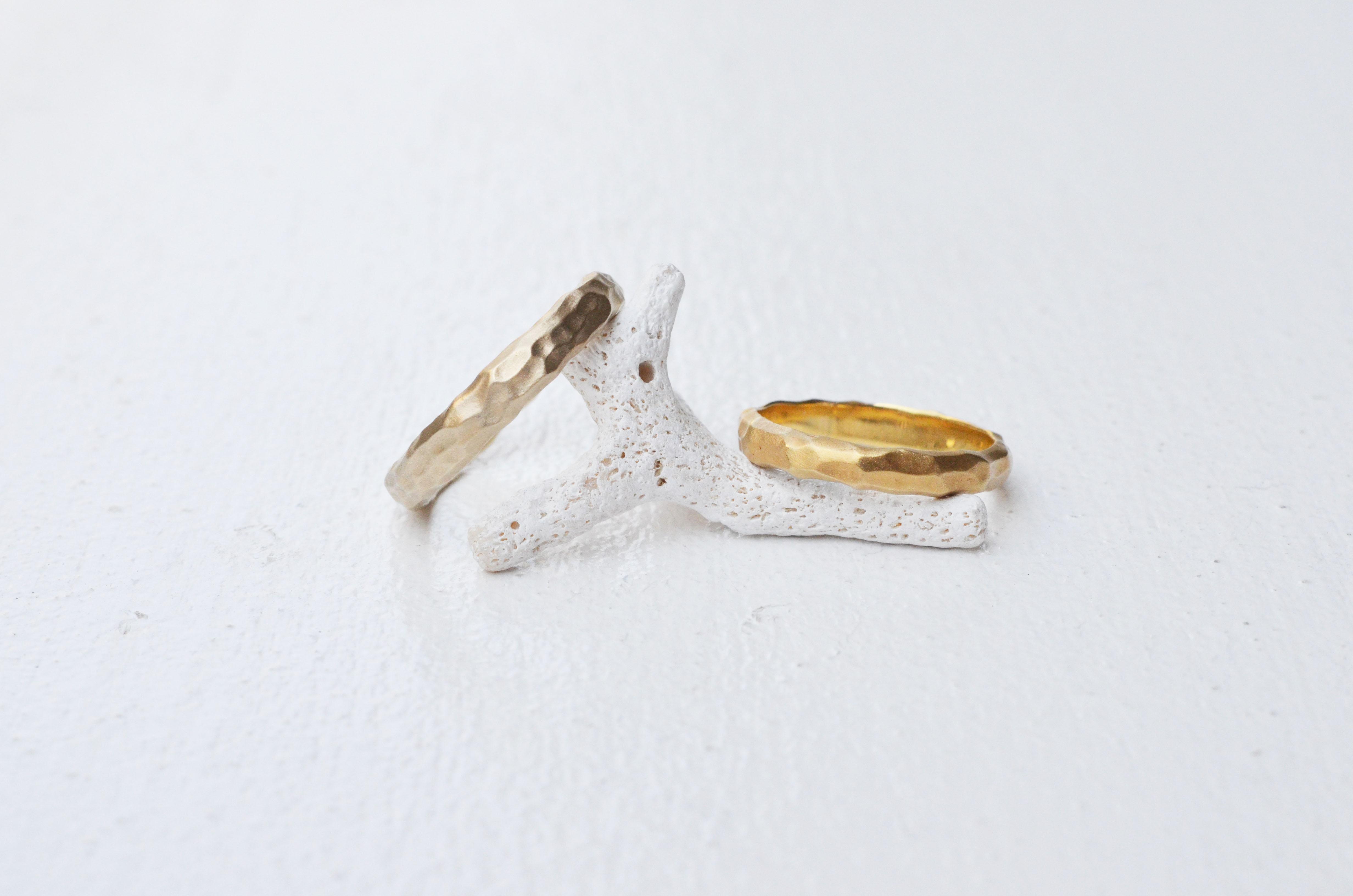 sowiの槌目の結婚指輪「ことこと」