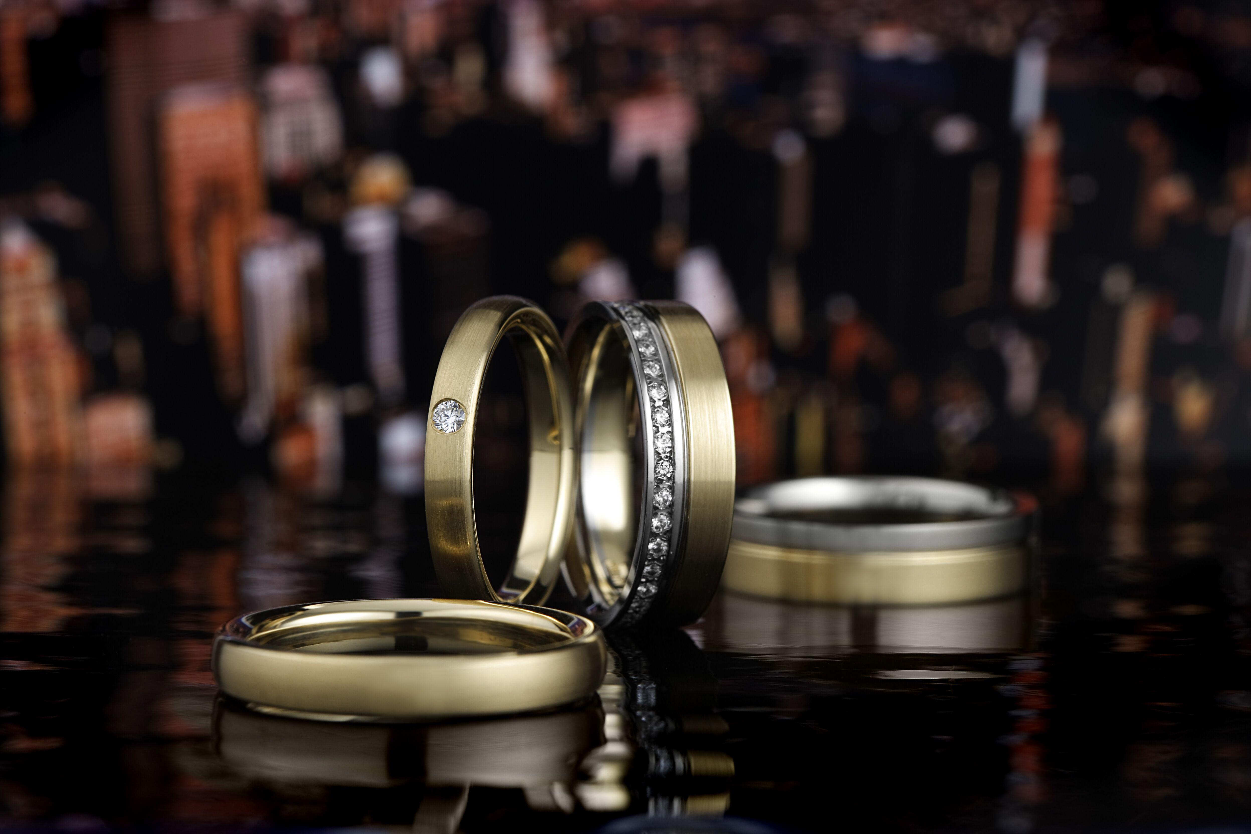 幅広の結婚指輪|8ミリや10ミリも!個性的でお洒落な太めの結婚指輪