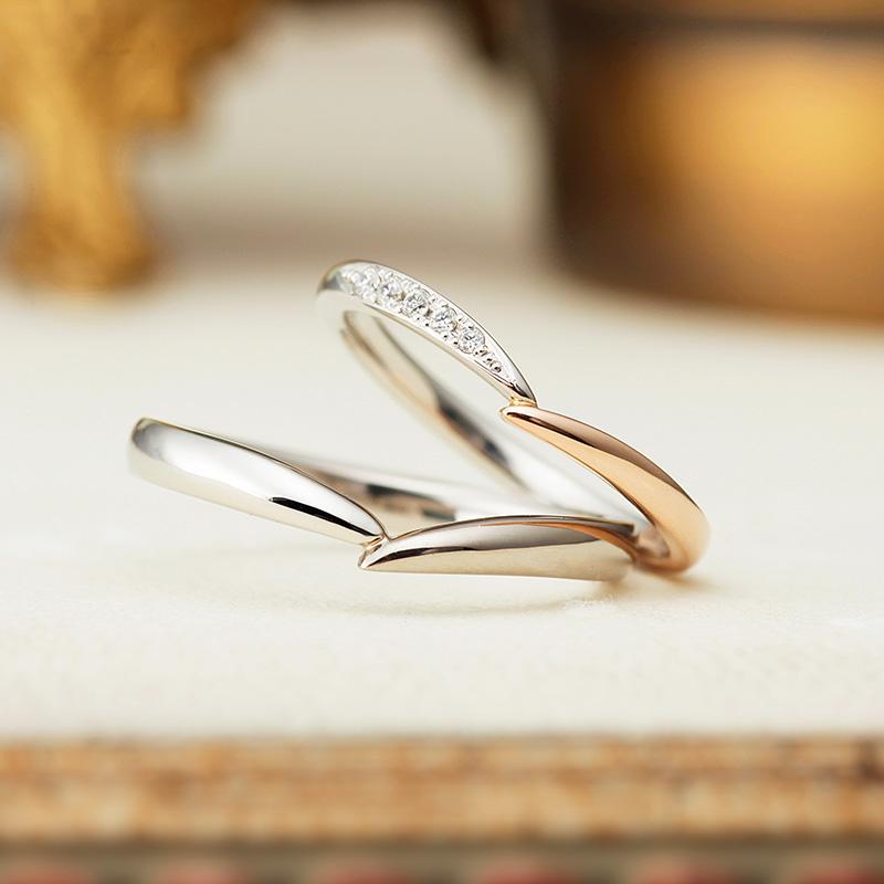 プラチナとゴールドの可愛い結婚指輪
