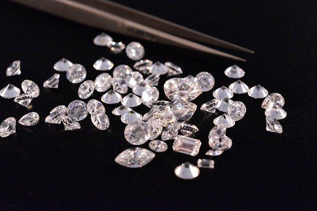 様々なダイヤモンドルース