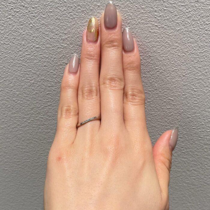 細身なウェーブの結婚指輪