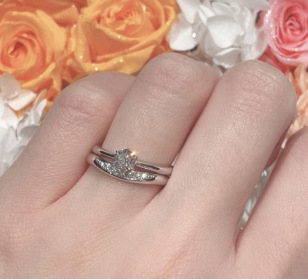 結婚指輪 重ねづけ V字 ストレート