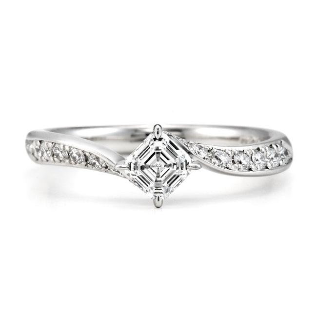 ロイヤルアッシャーカット婚約指輪