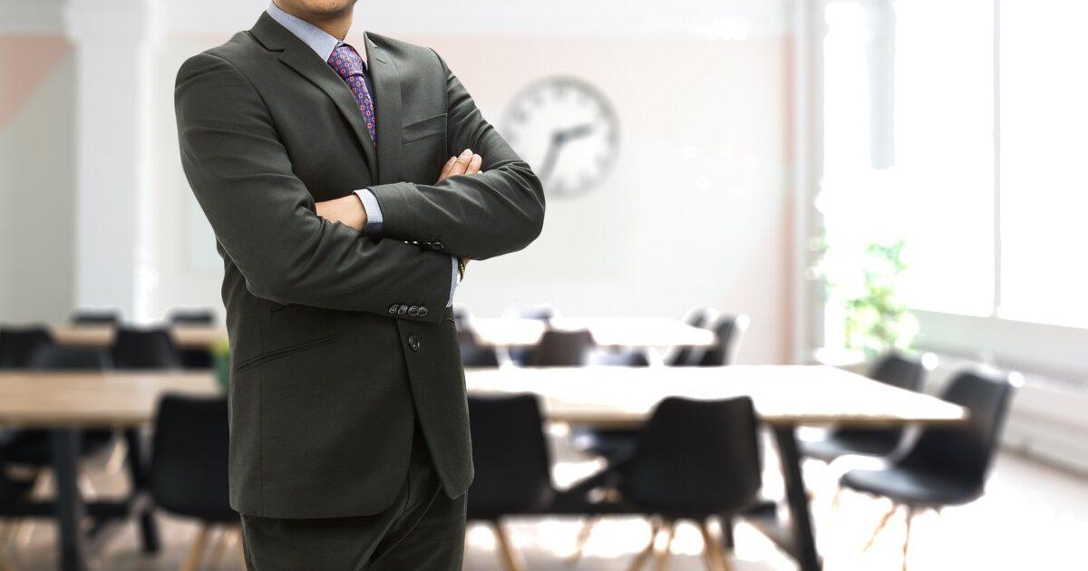 ビジネスマン スーツの男性