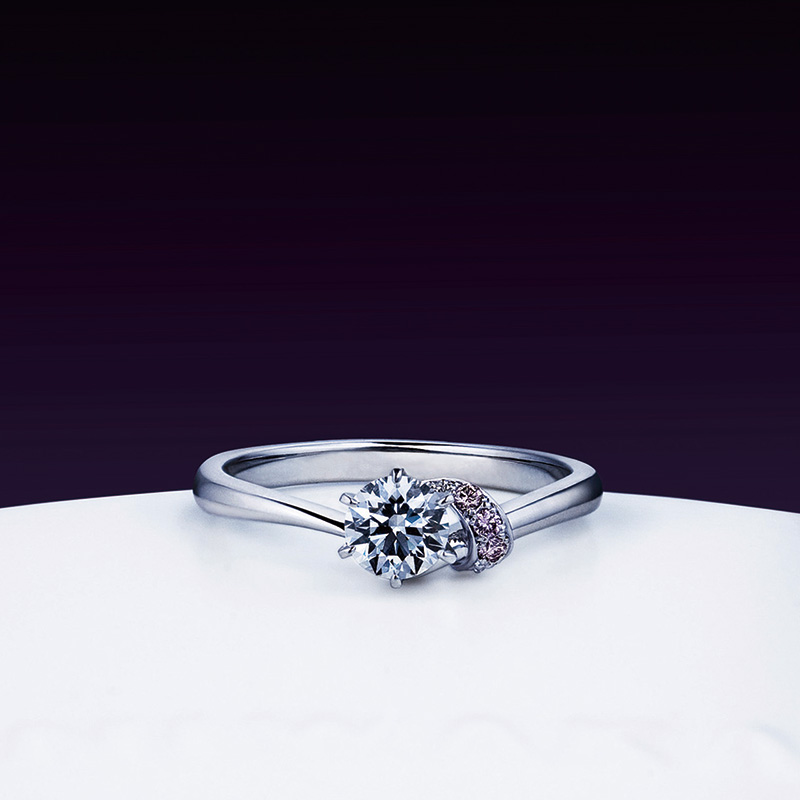 茜(あかね) エンゲージ 俄の婚約指輪