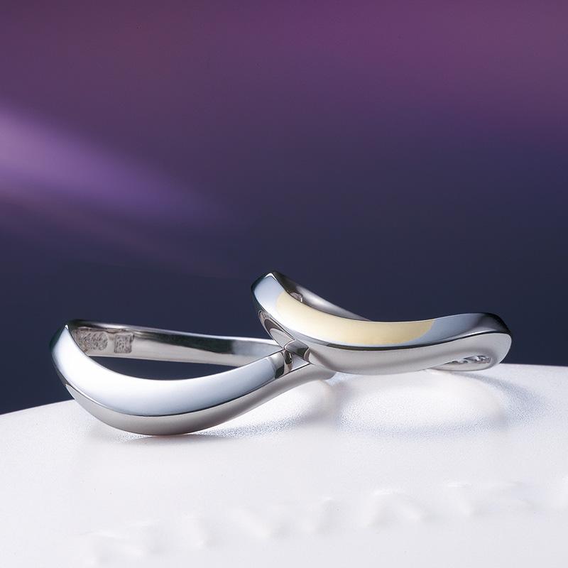 上弦の月(じょうげんのつき)|俄 結婚指輪