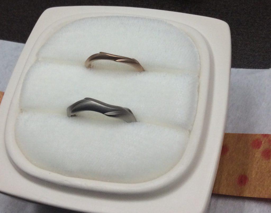 俄結婚指輪「鯨」マットPtG,PG
