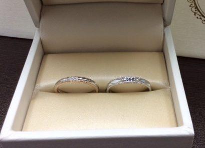 アンティック結婚指輪「アッシェマチュリテ」ブラックダイヤ3石アレンジ