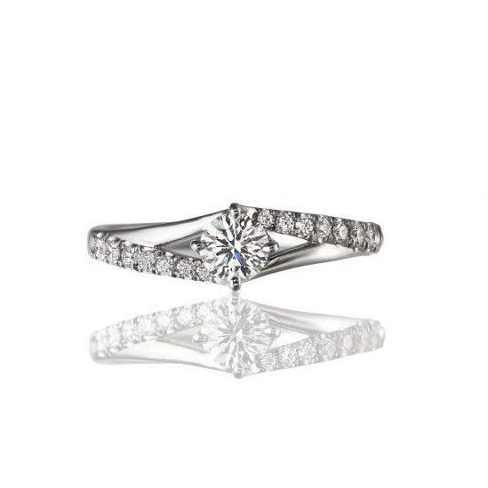 アンドロメダ SL056PRL|ラザールダイヤモンドの婚約指輪
