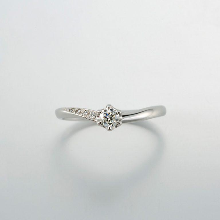 ラブ<Love>|プリズム 婚約指輪