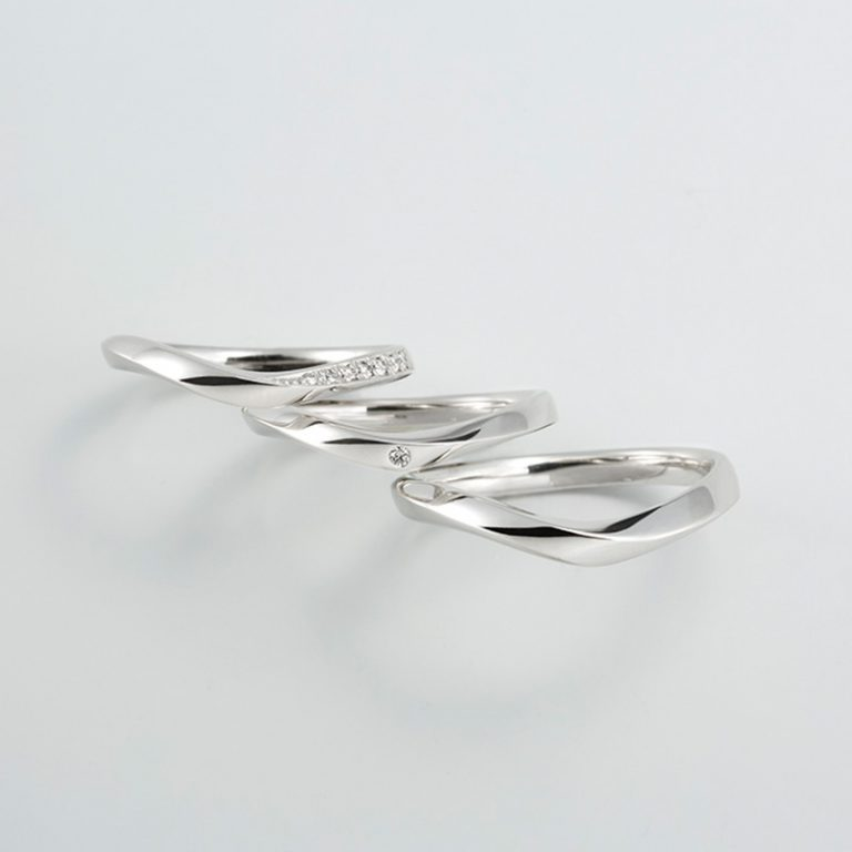 ラブ<LOVE>|プリズム 結婚指輪